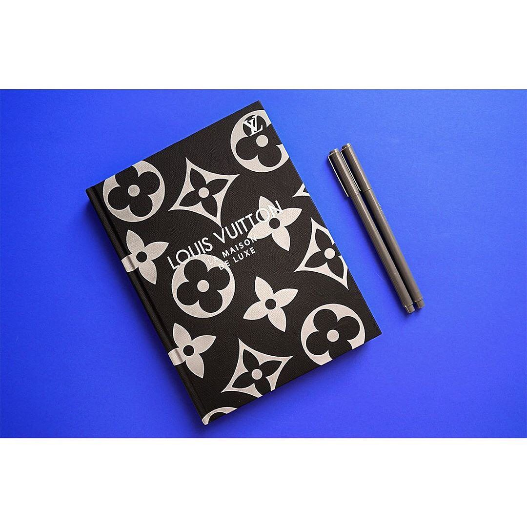 Ежедневник черный Louis Vuitton